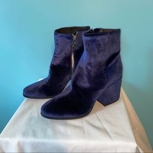 The wishbone collection blue boots
